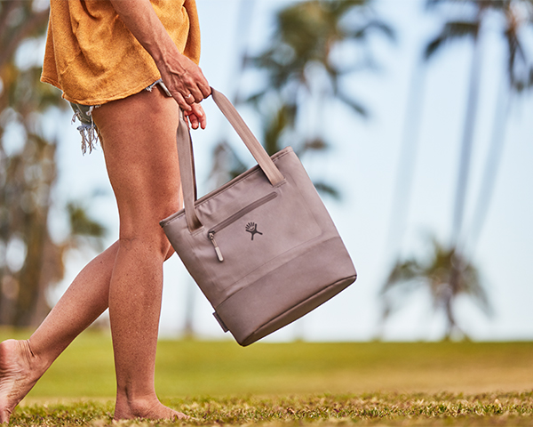 hydro-flask-lunch-tote