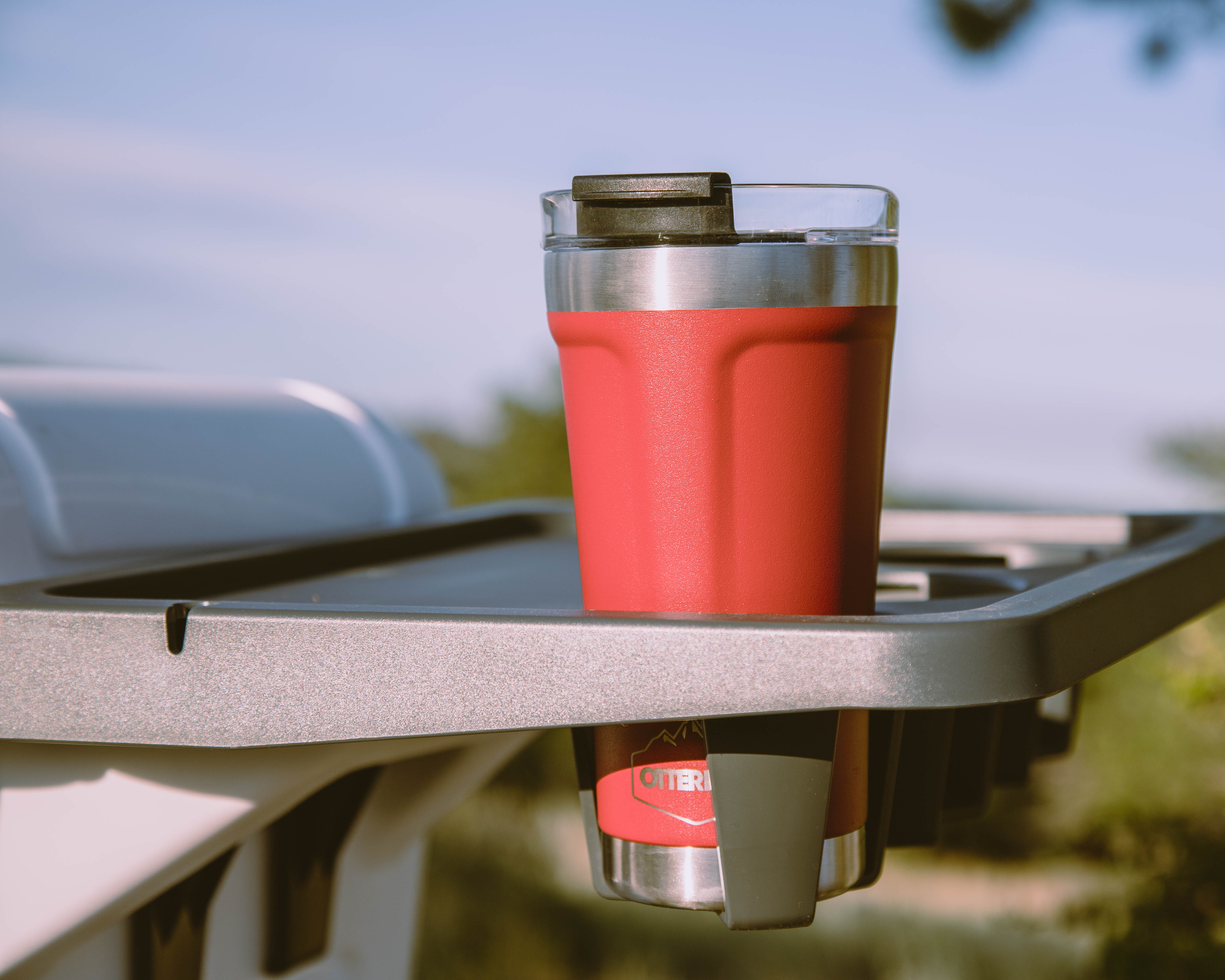 otterbox tumbler red close up