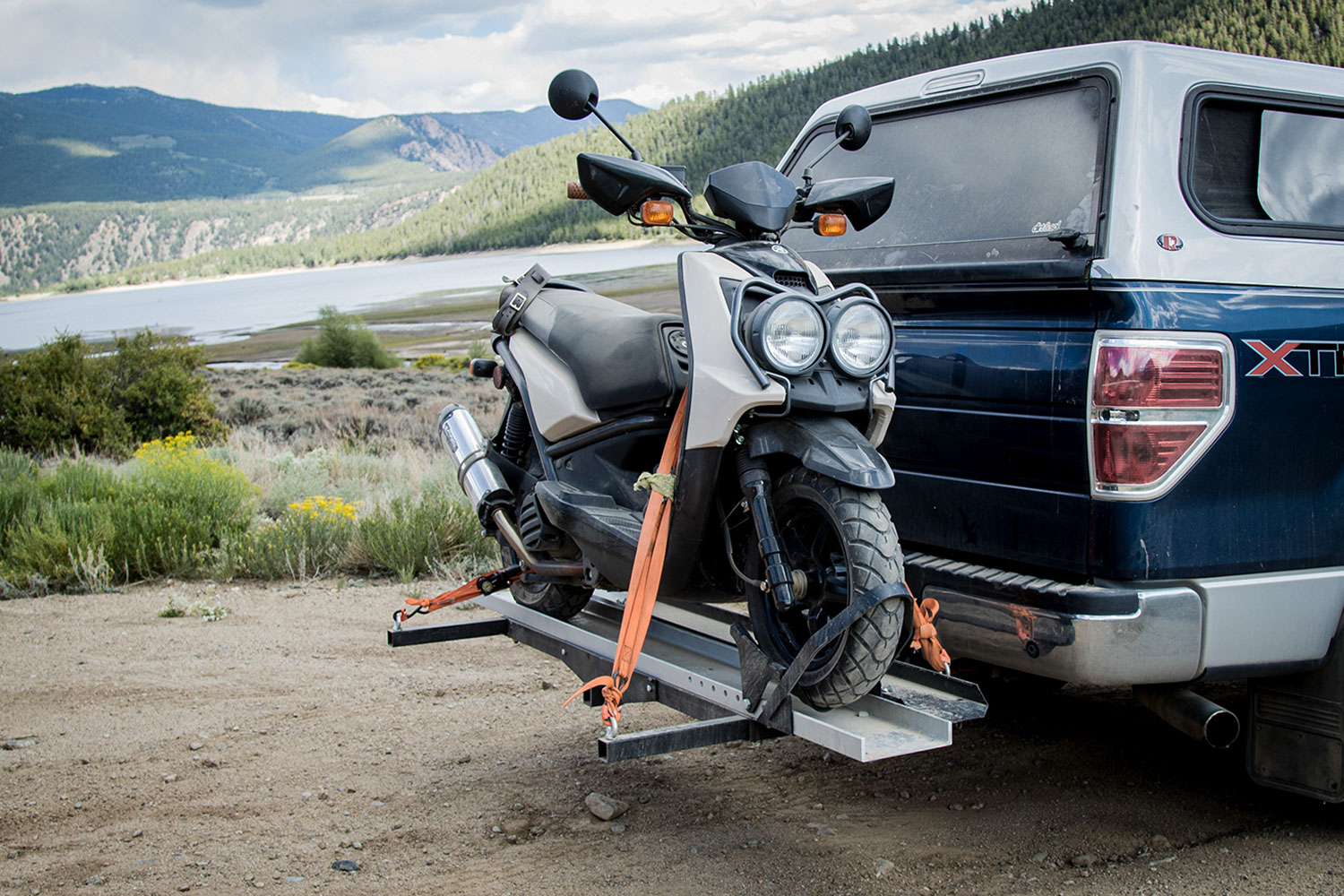 Discount Ramps Black Widow Deluxe Motorcycle Carrier in wildernss