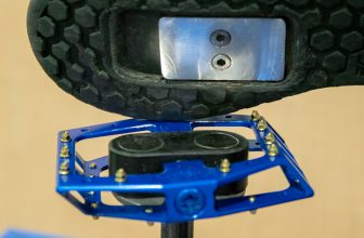 Hustle Bike Labs: New Magnetic 'Clipless' Pedals